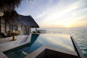 jumeirah vittaveli die besten 1000 hotels der welt. Black Bedroom Furniture Sets. Home Design Ideas